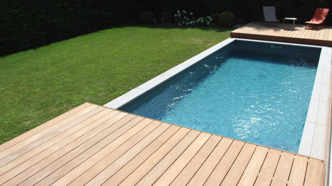 Une terrasse mobile sur mesure pr s d annecy for Piscine couverture mobile