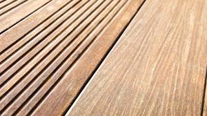 Plancher bois terrasse piscine