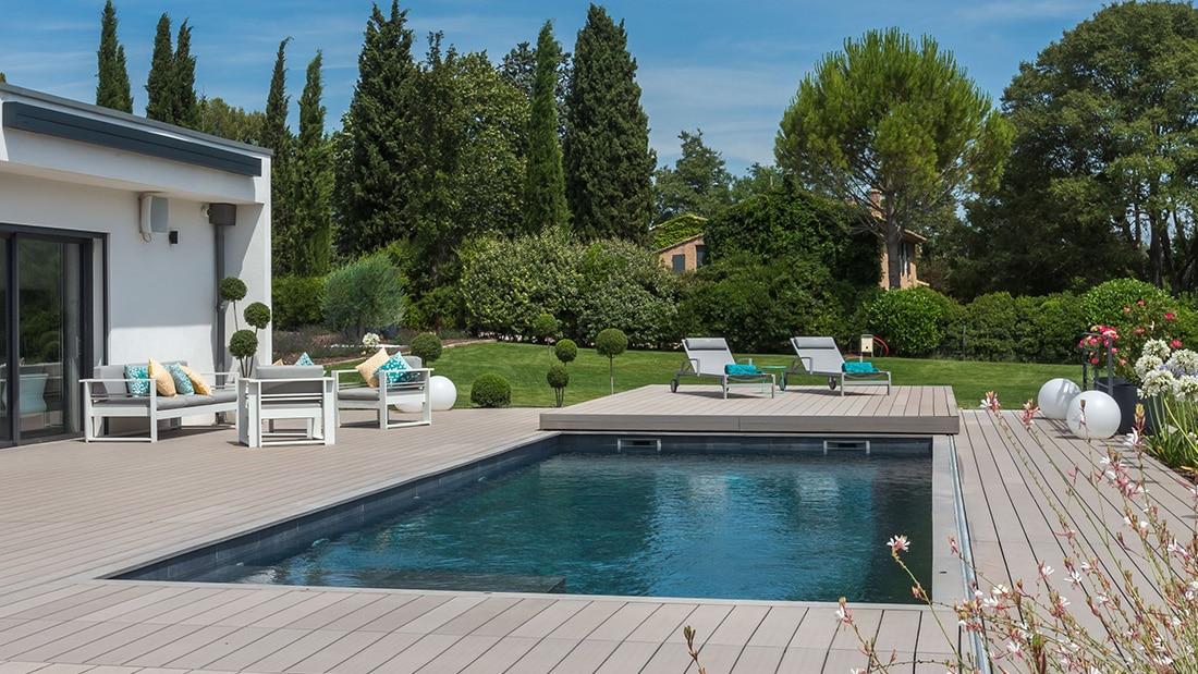 Terrasse sur piscine à Aix en Provence