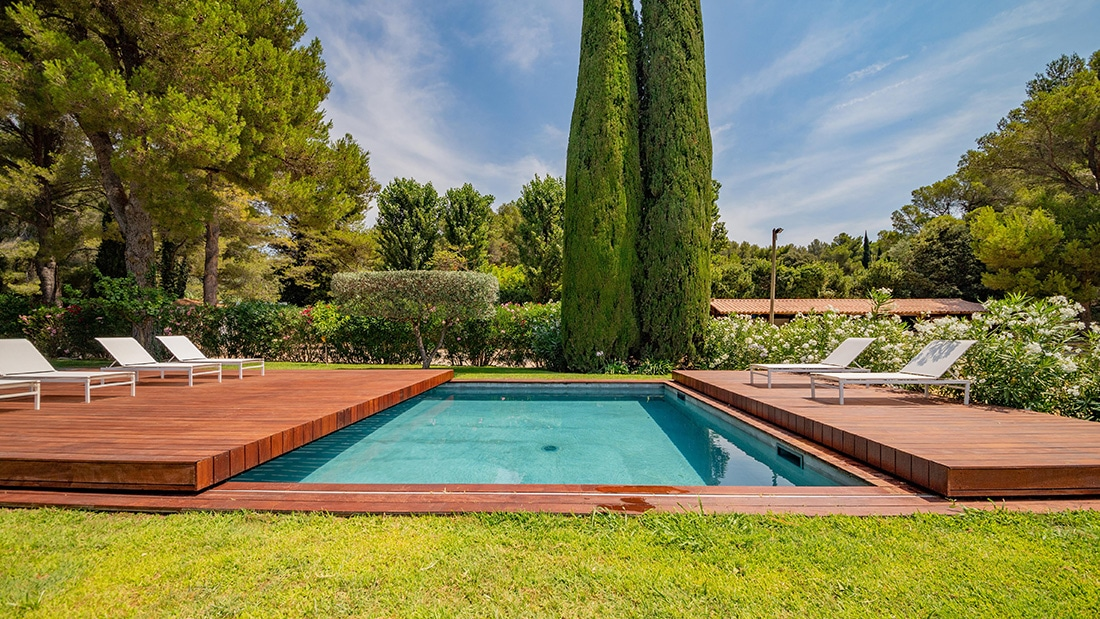 Terrasse mobile piscine Maussane